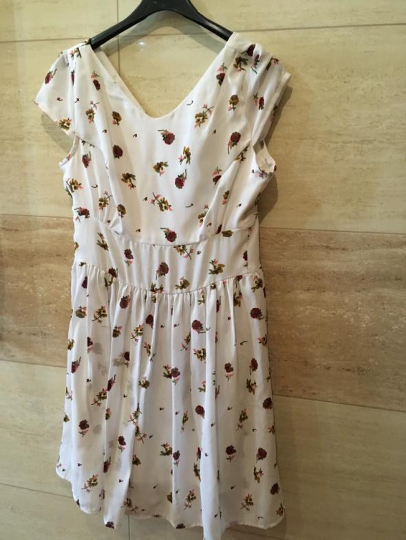 Suknie i sukienki Śliczna sukienka Asos com w kwiaty 36 S