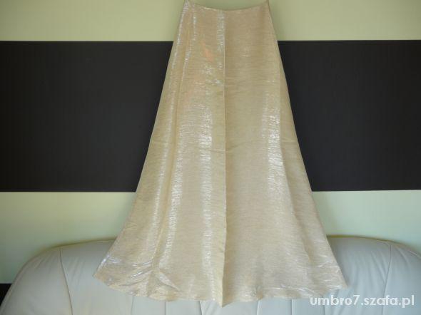 złota spódnica maxi