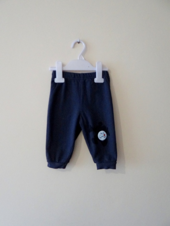Spodnie dresowe z myszką 9 miesięcy