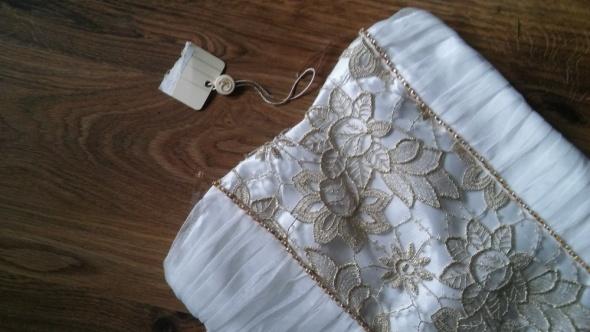 Sukienki i spódniczki Biała suknia ze złotem 13 lat