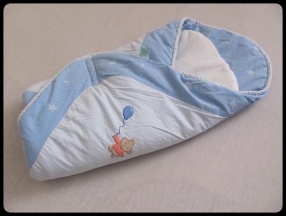 BECIK ROŻEK dla dziecka niebieski z rzepami i wkładką