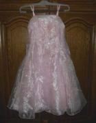 Różowa suknia haftowana 6 lat