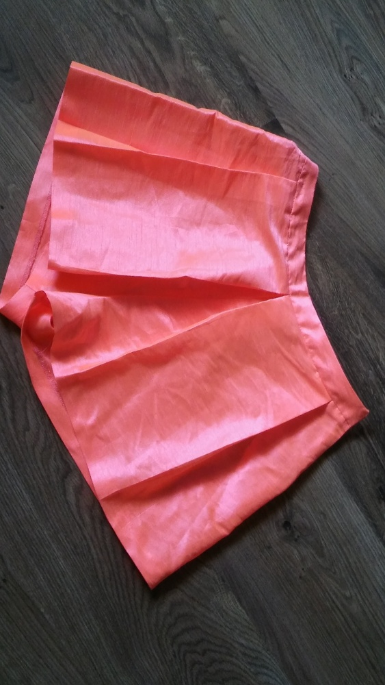 Spodenki Neonowa spódnico spodenki 36