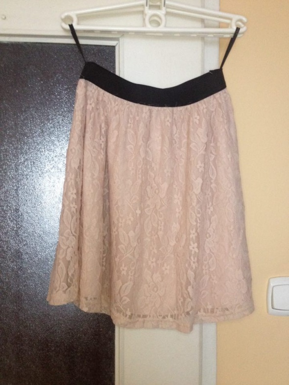 Spódnice Pudrowa spódnica pastelowy róż rozkloszowana koronkowa Atmoshere 34 36 38 S XS M