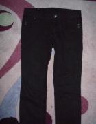Czarne spodnie jeansowe 42