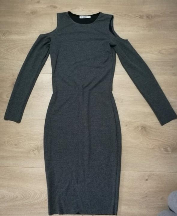obcisła Długa sukienka z odkrytymi ramionami 36 Maxi