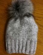 Zimowa czapka z pomponem...