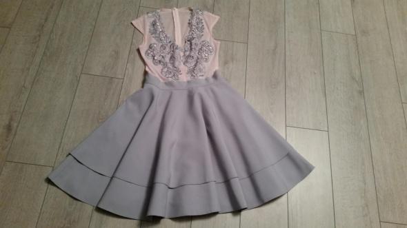Sukienka SiSi Fashion by Milano roz 36