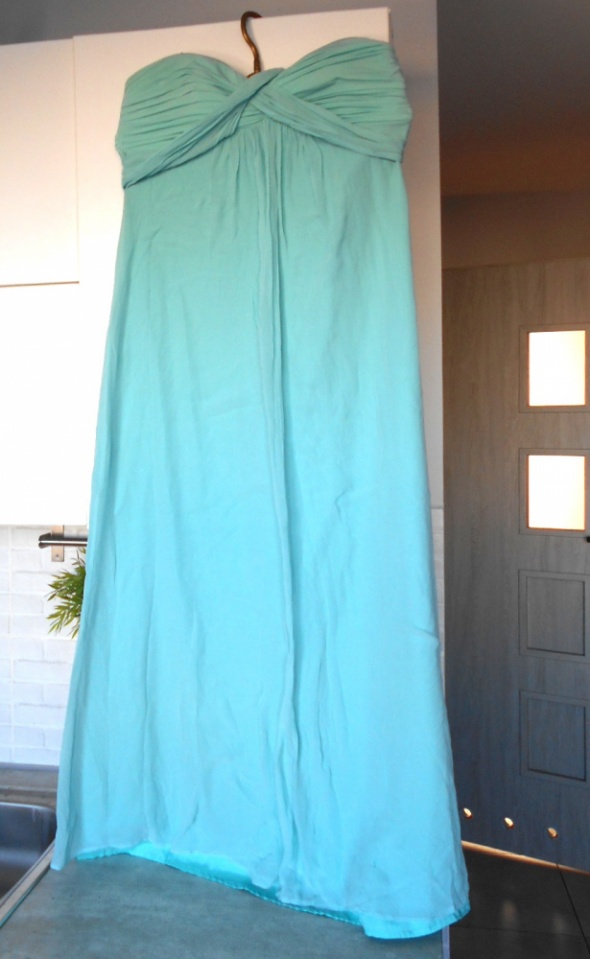 BCBG MaxAzria długa suknia wieczorowa turkusowa maxi