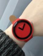 Nowy czerwony zegarek
