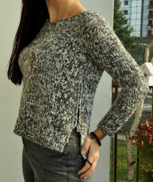 sweter z zipami