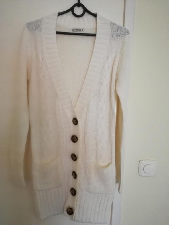 Sprzedam ciepły sweter marki Terranova...