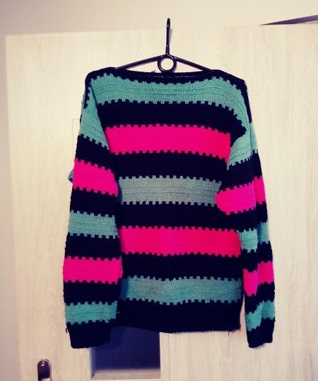 sweter włóczkowy