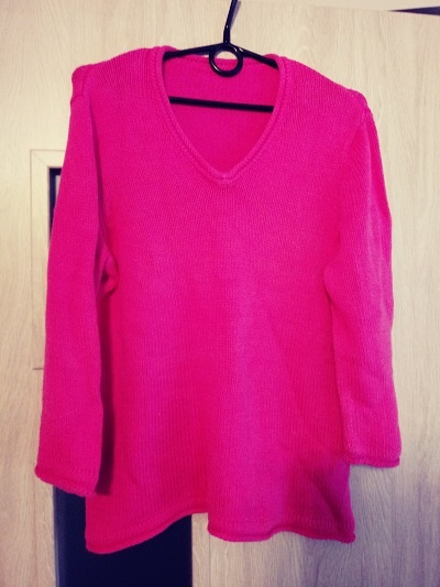 neonowy sweter