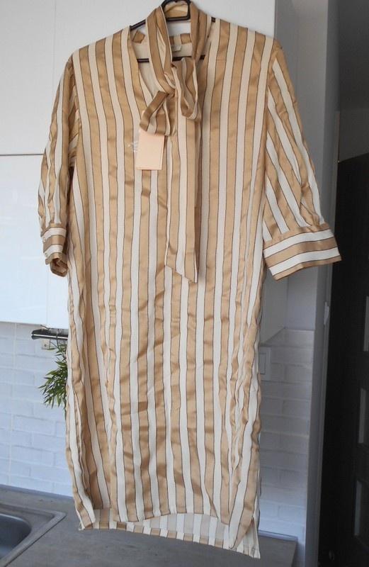 Selected Femme nowa sukienka nude beżowa paski złote kokarda wiązana