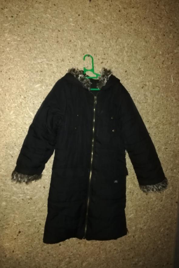Czarna zimowa kurtka płaszcz 116 122 cm