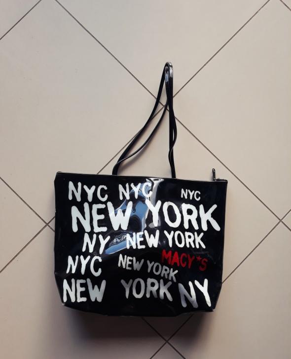 Torebka New York czarna gumowa