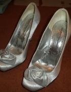 srebrne szpilki z kwiatkiem 38