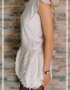 Sukienka biała z piórkami Lili Gaufrette S nowa