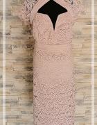 Sukienka TFNC London różowa koronkowa śliczna nowa