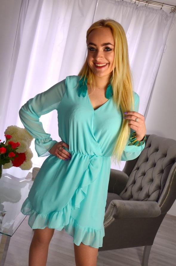 Szyfonowa sukienka miętowa