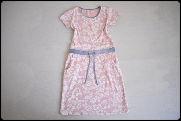 Sukienka pastelowy róż rozmiar 36 S kwiatki stan bdb...