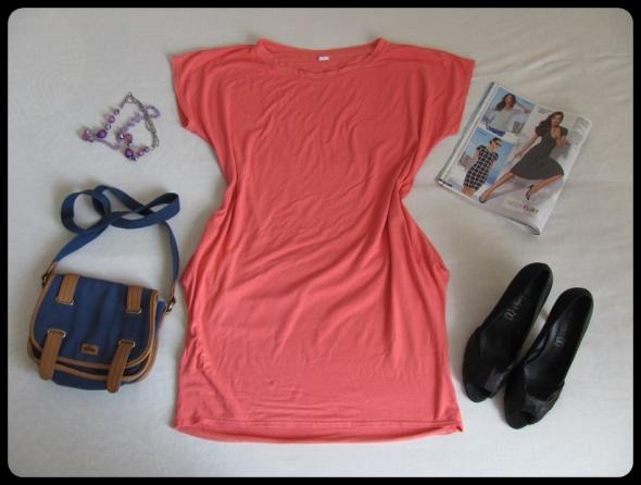 Sukienka elastyczna prosta z kieszeniami M i L koralowa