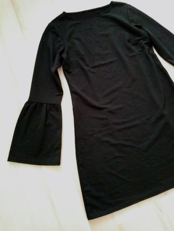 Czarna sukienka ML falbanki