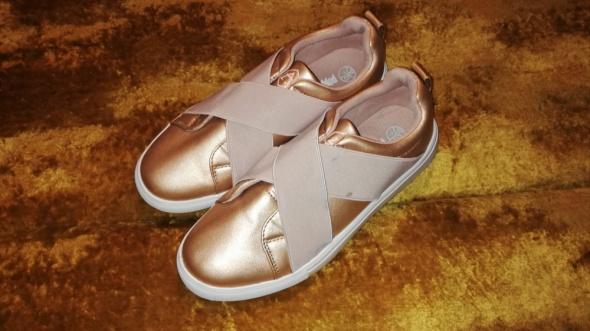 Złote buty na wyższej podeszwie 40