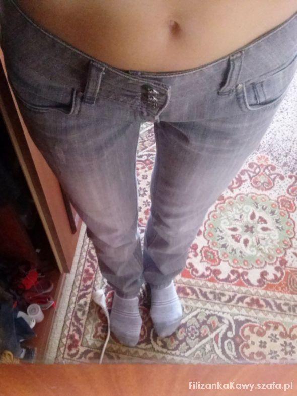 Szare spodnie z wyższym stanem