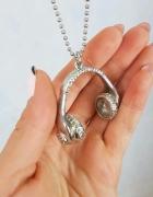 Naszyjnik słuchawki srebrny...