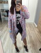 Kolorowy długi sweter...