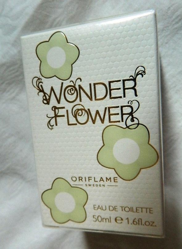 Oriflame Woda toaletowa Wonder Flower 50 ml...
