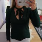 Prążkowany sweterek z kokardą butelkowa zieleń