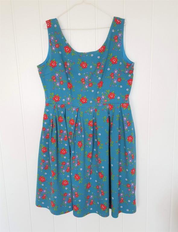 Suknie i sukienki Bawełniana sukienka w stylu retro 46 3XL 48 4XL rozkloszowana niebieska w kwiaty