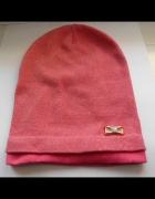 różowa czapka złota nitka...