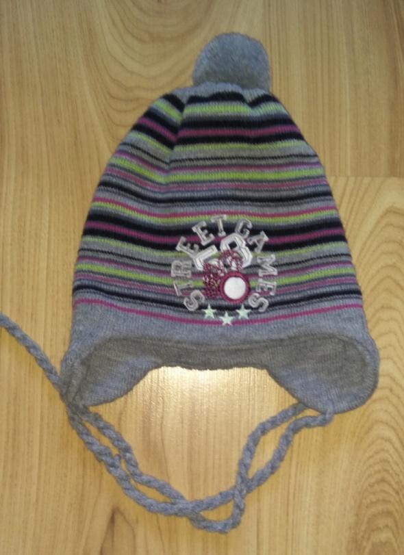 Nowa czapka dla chłopca