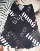 Czarna spódnica na lato M we wzory tylko 7zł...
