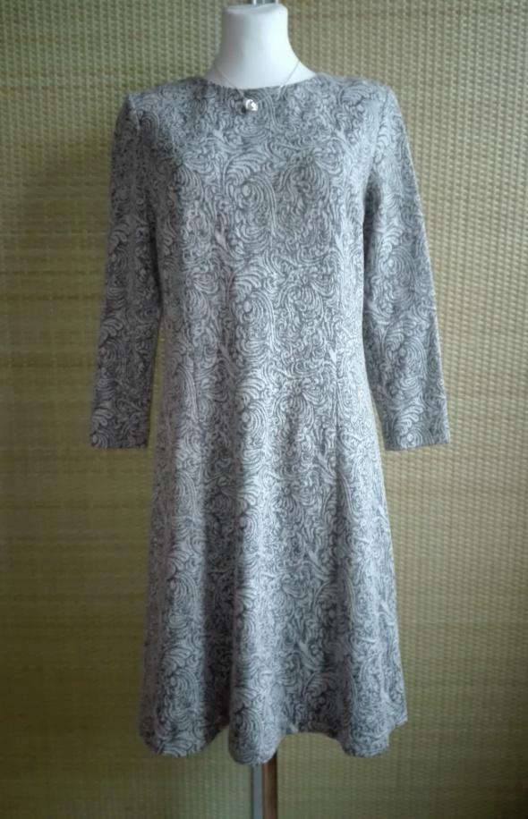 nowa sukienka Monnari