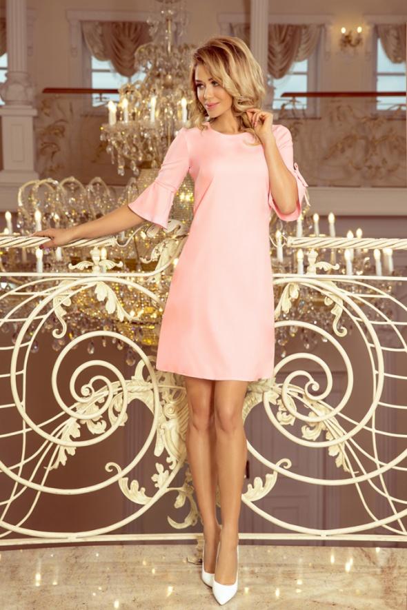Trapezowa sukienka z rozkloszowanymi rękawkami