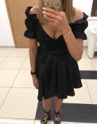 Lou Courtney sukienka czarna połyskująca odkryte ramiona Siwiec...