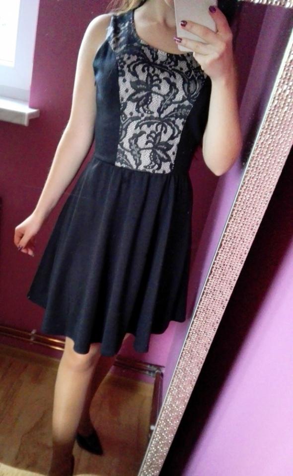 Sukienka koronkowa wstawka rozkloszowana XS S