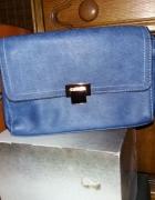 Niebieska torebka Avon...