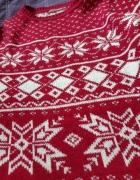 Sweter czerwony...