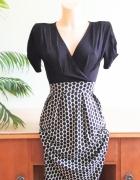 Seksowna sukienka w grochy pin up