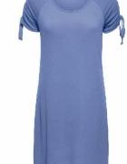 Prosta niebieska sukienka z dżerseju...