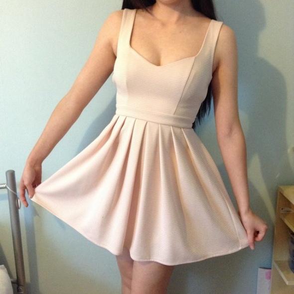 Topshop nowa sukienka pudrowa różowa serce odkryte plecy...