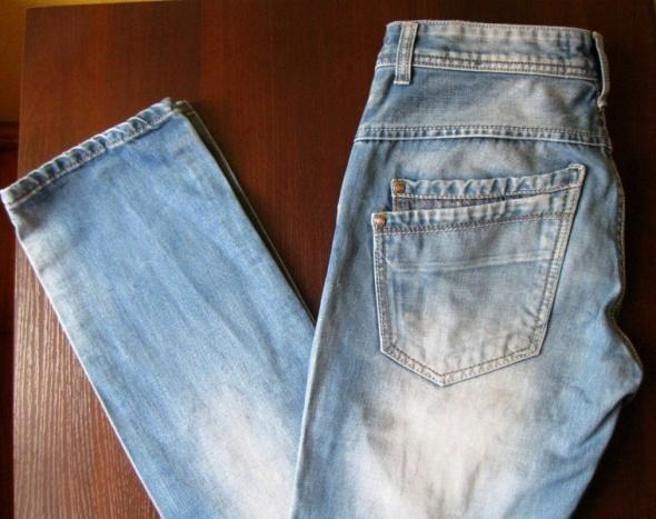 Męskie jeansy M