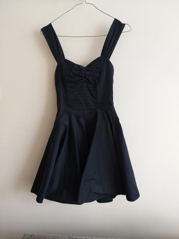 RIVER ISLAND czarna sukienka