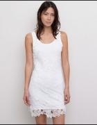 Koronkowa sukienka pull&bear
